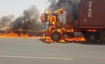 رئيس الوزراء يتابع اطفاء الحريق الذى نشب بطريق الاسماعيلية الصحراوى