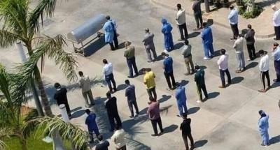 العاملون بمستشفي العزل يصلون علي الفنانة رجاء الجداوي