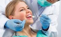 """تحد خطير على """"تيك توك"""" يؤدي إلى تلف دائم في الأسنان"""