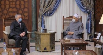 الإمام الأكبر يستقبل السفير الروسي ويرحب بتعزيز التعاون وتدريب الأئمة