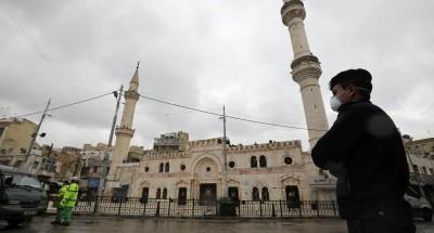 تمديد ساعات حظر التجول في الأردن وتدابير جديدة لاحتواء «كورونا»