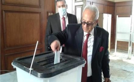 مجلس النواب   رئيس حزب الوفد يدلي بصوته في الدقي