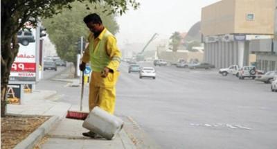 """""""السكرتير العام لمحافظ بورسعيد"""" يتابع أعمال النظافة بحي الزهور"""