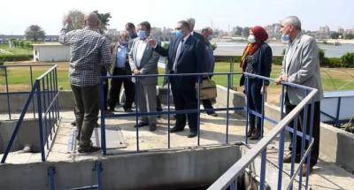 """""""رئيس المركز القومي لبحوث الماء"""" يقوم بجولة تفقدية لمعالجة مياه الصرف"""