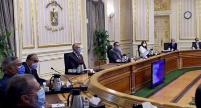"""""""رئيس الوزراء"""" يتابع مع """"وزير الري"""" خطط الاستفادة من مياه المصارف الزراعية ببورسعيد"""