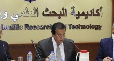 """""""عبد الغفار"""": الباحثون المصريون لديهم خبرات لانتاج لقاحات ضد كورونا"""