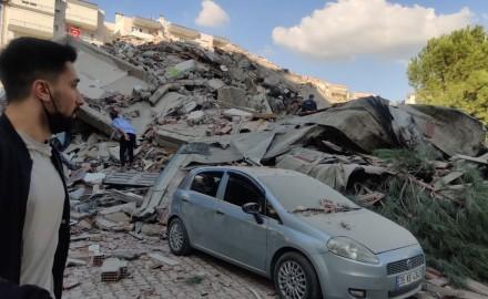 """""""زلزال مدمّر"""" مركزه عمق البحر قبالة الساحل الغربي لتركيا"""