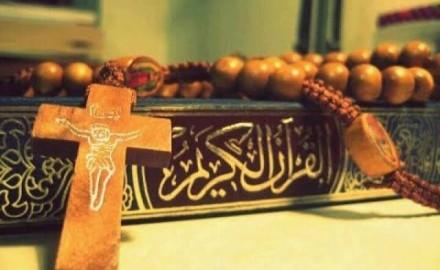"""""""بعد تصريحات ماكرون"""" .. مسيحية تدافع عن المسلمين ورسول الله :""""ميرضنيش أن حد يغلط في الإسلام والنبي محمد"""""""