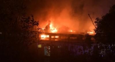 عاجل .. حريق ضخم في محطة مترو أنفاق برلين (فيديو)