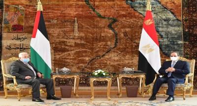 السيسي يستقبل الرئيس الفلسطيني في قصر الاتحادية