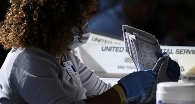 الانتخابات الأميركية .. قاضٍ بالمحكمة العليا يأمر بفرز منفصل لبطاقات الاقتراع البريدي في بنسلفانيا