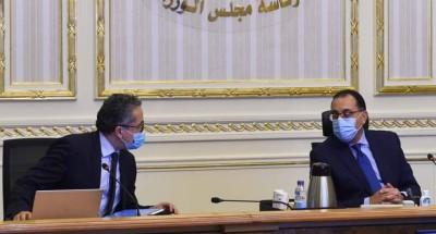 """""""رئيس الوزراء"""" يتابع جهود التعامل مع التحديات التي تواجه قطاع السياحة في المرحلة الحالية"""