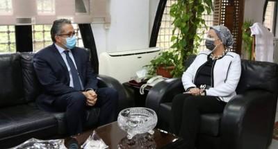 """""""ياسمين فؤاد """" و""""خالد العناني"""" يعقدان اجتماعا موسعا لمناقشة سبل دعم السياحة البيئية و المستدامة"""