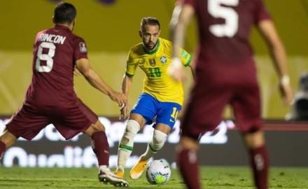 """""""البرازيل"""" تتصدر تصفيات أمريكا الجنوبية المؤهلة لكأس العالم"""