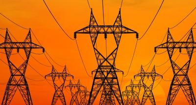 """""""الكهرباء"""": 642 مليون جنيه لتطوير شبكات 52 قرية في سوهاج"""