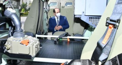 أخبار مصر | السيسي يتفقد نماذج مركبات متعددة الاستخدام لتطوير منظومة النقل العام