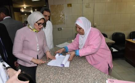 """""""وزيرة الصحة"""" تتفقد مركز طب أسرة الروضة بمحافظة شمال سيناء"""