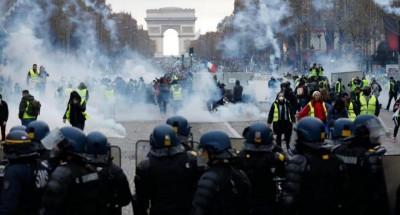عاجل .. اندلاع أعمال شغب في باريس خلال احتجاجات ضد قانون الأمن الشامل