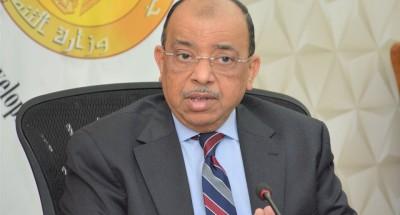 """""""شعراوي"""" : غلق 11 ألفا و608 من المحلات التجارية والمقاهي المخالفة في 15 محافظة"""