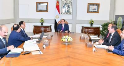 """الرئيس """"السيسي"""" يناقش مع """"مدبولي"""" ووزير التموين تطوير منظومة المخابز"""