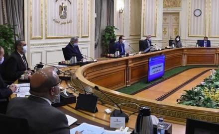 """""""رئيس الوزراء"""" يجتمع باللجنة العليا لإدارة أزمة كورونا ويصرح بقرارات جديدة"""