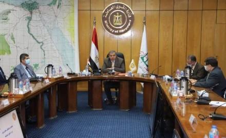 """""""سعفان"""" يشهد مراسم توقيع مذكرة تفاهم مع مصر للتأمين لحماية العمالة بالداخل والخارج"""