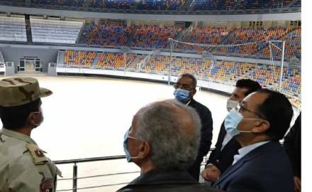 """""""رئيس الوزراء"""" يتفقد الصالة المغطاة بإستاد القاهرة"""