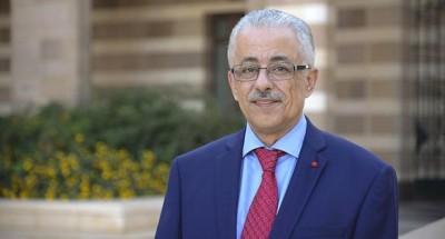 """""""وزير التعليم"""" يمنح الترقية لـ301 ألف و784 معلما لعام 2019/2020"""