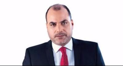 """""""محمد الباز"""" ناعيًا «وحيد حامد»: لا أملك صورة واحدة تجمعني به.. أملك فقط مئات الأسرار بيني وبينه"""