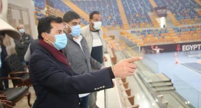 """""""وزير الرياضة"""" يقوم بجولة تفقدية للمدينة الرياضية بالعاصمة الادارية"""