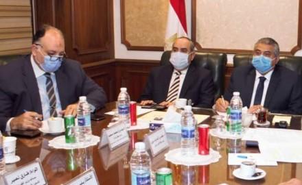 """""""وزير الطيران"""" يبحث مع وزير البنية التحتية والنقل السوداني سبل التعاون بين الجانبين"""