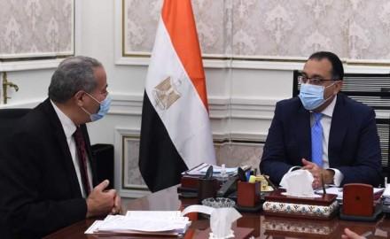 """""""رئيس الوزراء"""" يلتقي """"وزير التموين"""" للاطمئنان على توافر السلع الاستراتيجية"""