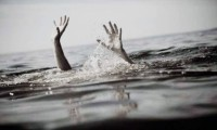 انتشال جثة غريق بمياه بحر مويس بالشرقية