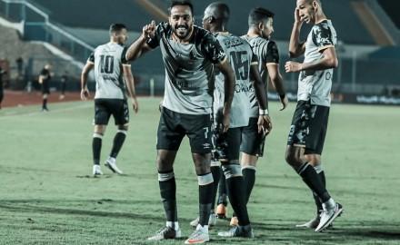 الأهلي يفوز على سيراميكا كليوباترا بهدفي كهربا وسليمان.. وينفرد بصدارة الدوري