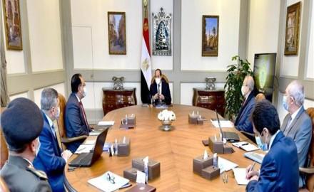 """عاجل .. الرئيس السيسي يوجه ببلورة سياسات تسويقية مرنة لـ """"قناة السويس"""""""