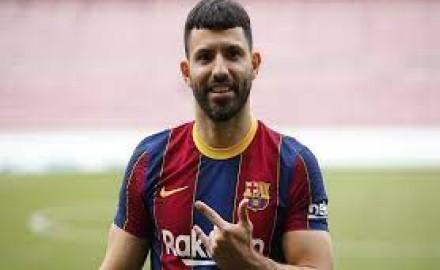 بعد رحيل رونالدو.. برشلونة يعرض أجويرو على يوفنتوس