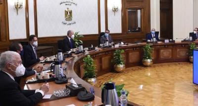 """رئيس الوزراء يلتقي الرئيس التنفيذي لشركة """"سيمنس"""" العالمية"""