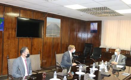 لقاء وزير الكهرباء والطاقة المتجددة مع الرئيس التنفيذى الجديد لشركة سيمنس بالشرق الأوسط