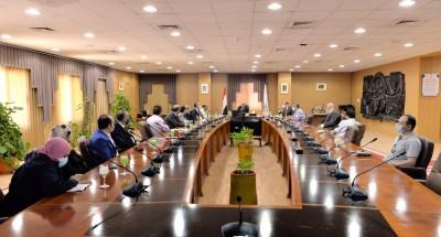 اجتماع للجنة العليا للتطعيمات ضد فيروس كورونا لتطعيم الطلاب و منسوبى جامعة المنصورة