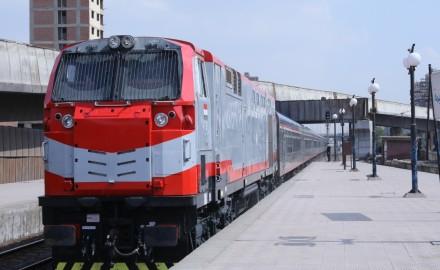 منظومة السكك الحديدية الجديدة تعمل بالكهرباء بالكامل