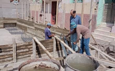 """النائب """" عاطف سعد """" يتابع إزالة بناء بالبلوك الأبيض ووقف أعمال بناء لعدم وجود رخصة"""