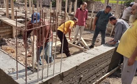 نائب رئيس مركز ومدينة دكرنس يتابع إزالة أعمال بناء مخالف على أرض زراعية بكفر الباز