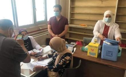 مجهود مستمر لتطعيم العاملين بالجهاز الإداري للدولة بلقاحات كورونا بمحافظة السويس