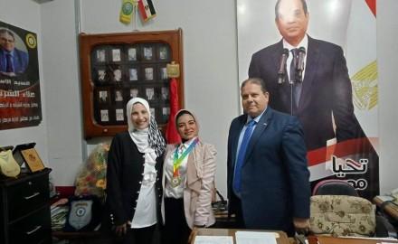 وكيل وزارة الشباب بالدقهلية يكرم الاء محمود سلام الحاصلة على الميدالية الذهبية
